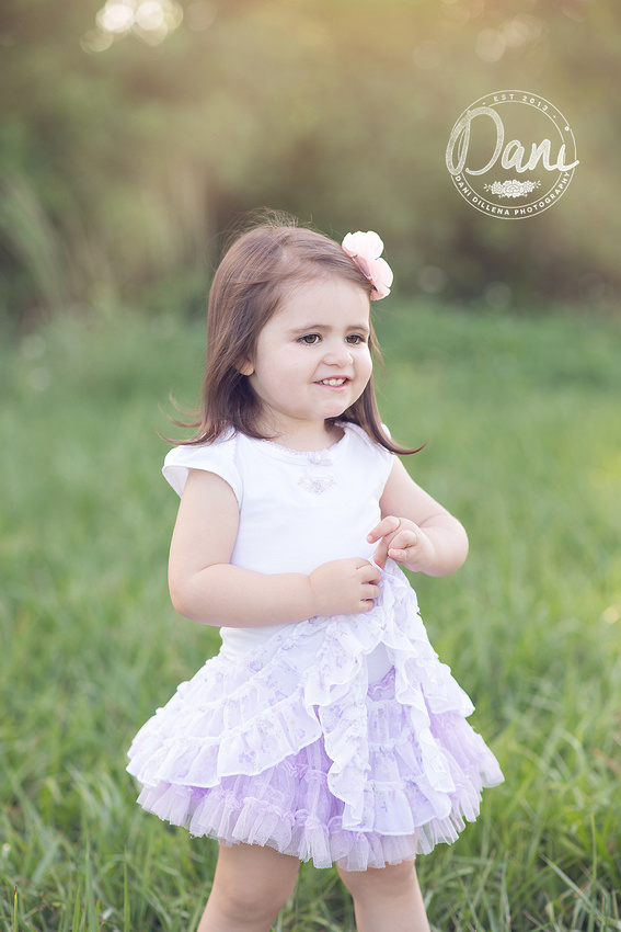 dani dillena loves to photograph little children